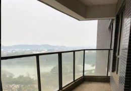 上上城  毛坯5房 一线江景 仅售150万 满2年