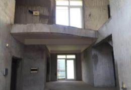 黄金时代 复式楼 148万 5室2厅2卫  毛坯,