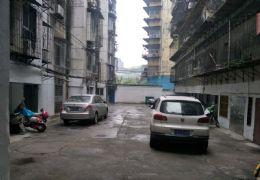 老城区 豪装4房 有院子 有柴间 停车方便