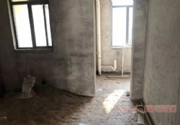 豪德学区大四房 赠送百多平大露台 仅售168