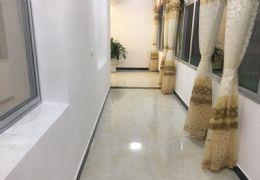 健康路108平米4室2厅2卫出售
