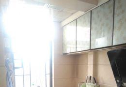 双钻名汇127平米3室2厅2卫出售