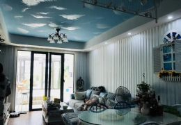 新区水游城 豪装三房 带200平大露台 两个阳光房