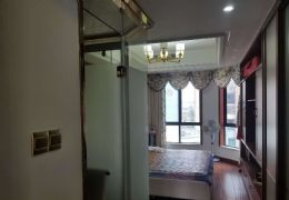 新区 龙湾上和城3层复式 豪华装修满两年 含泪抛售