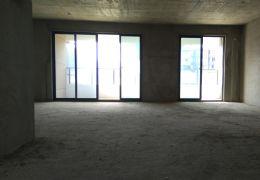 章江新区豪德校区大气双主卧大四房。出售