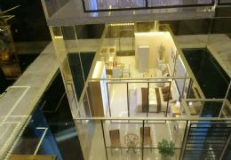 万象城边6.6米复式公寓买一层得两层