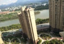 玖珑湾·一期顶楼3层复式 大气6房 送独家顶楼露台