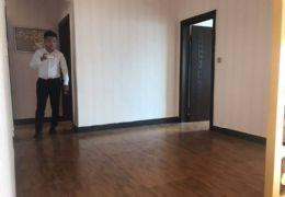 章江北大道蓝波湾江景房豪华装修未入住4房仅售145