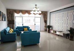 家具大市场 名鑫苑132平新装修三房108万送家具