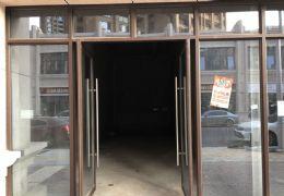 赣州中学旁 临街现铺  4米大开间  即买即收租