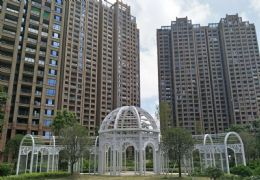中心区,低于市场价,世纪嘉园 130万 3室2厅2