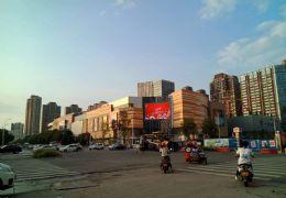 章江新区 中央城 130平正规4房2厅3卫 仅售1