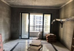 中海华府3室2厅单价;一万二''售150万。
