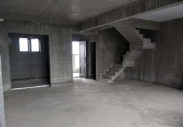 中航云府117平米,頂級復式,超大四房僅售140萬
