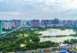 投 资必选首付30万 买新区顶 级观湖景天际泳池写