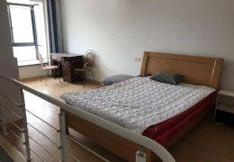 八一四大道万象国际旁,小公寓复式1房,带家具家电