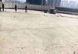 宝能城 正规3房 带300平露台 可自建篮球场