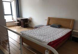 八一四大道万象国际旁,小复式公寓,带家电家具 拎包