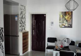 三和悦城小区精装两房,家私电器齐全!