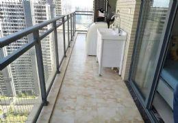 中央城一期 正规四房 居家装修 满两年 售155万