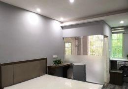 瑞金路豪华装修一房带卫生间   有电梯  品牌家具