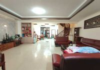 厚德小学赣一中复式楼208平米4室2厅2卫出售