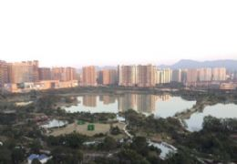 章江新区  云星大观 毛坯4房 绝版湖景 325万