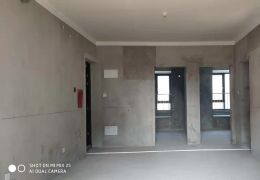 華潤萬象毛坯三房,黃金樓層僅售136萬。