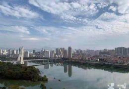 房東急售,產證面積287平,現價246萬一線江景房