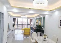 江景电梯房东方性境143平米4室2厅2卫出售