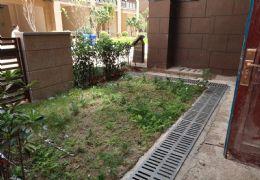 新区底复洋房共四层前后大花园诚售