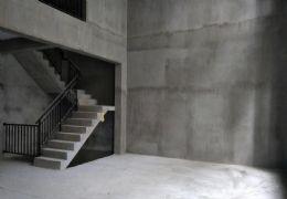 章江新区 中海铂悦公馆 复试洋房 带花园地下室 有