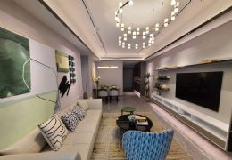 绿地城际空间站98平米3室2厅2卫出售