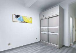 健康路130平米3室2厅2卫出售