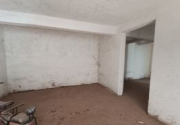隐龙山庄214平米5室3厅3卫出售