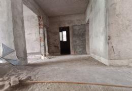 隐龙山庄215平米4室2厅2卫出售