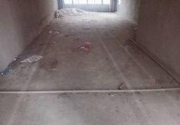 章江花园带车位121平米4室2厅2卫出售