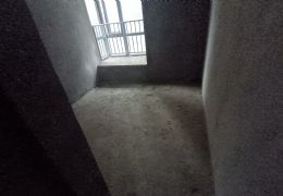 章江花园145平米5室2厅2卫出售