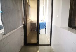 下壕塘社�^64平米1室1�d1�l出租
