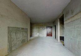 毅德融城二期毛坯小三房,户型方正,采光好,带飘窗