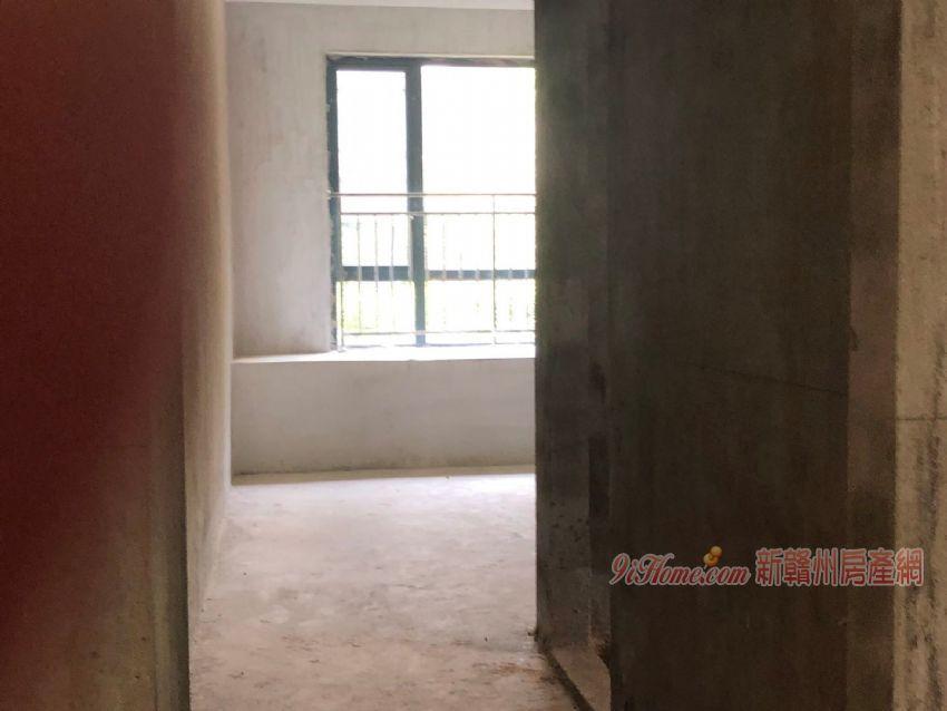 《萬象城 》帶6米的地下室和花園!含車位僅售290_房源展示圖6_新贛州房產網